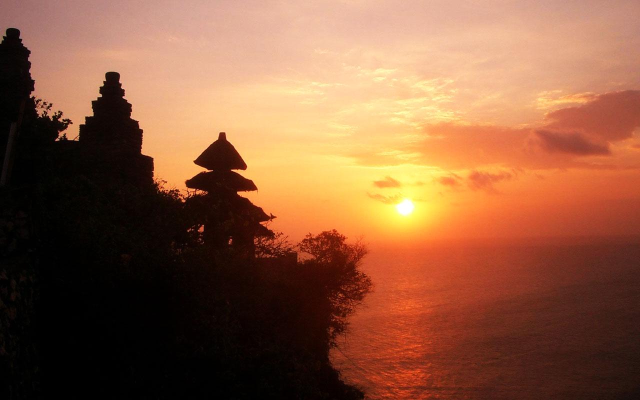 Yuk Intip Keindahan dan Pesona Pura Luhur Uluwatu di Bali